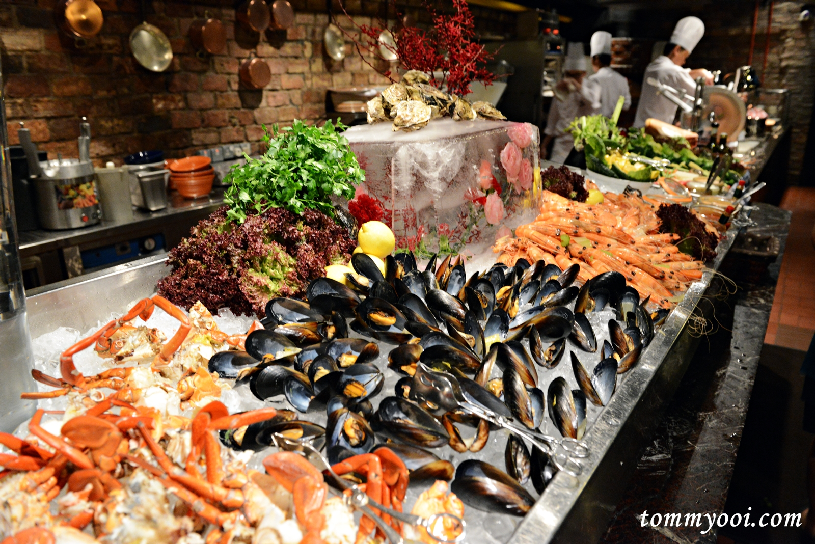 Italian sunday prosecco brunch buffet at pete 39 s place for Italian buffet