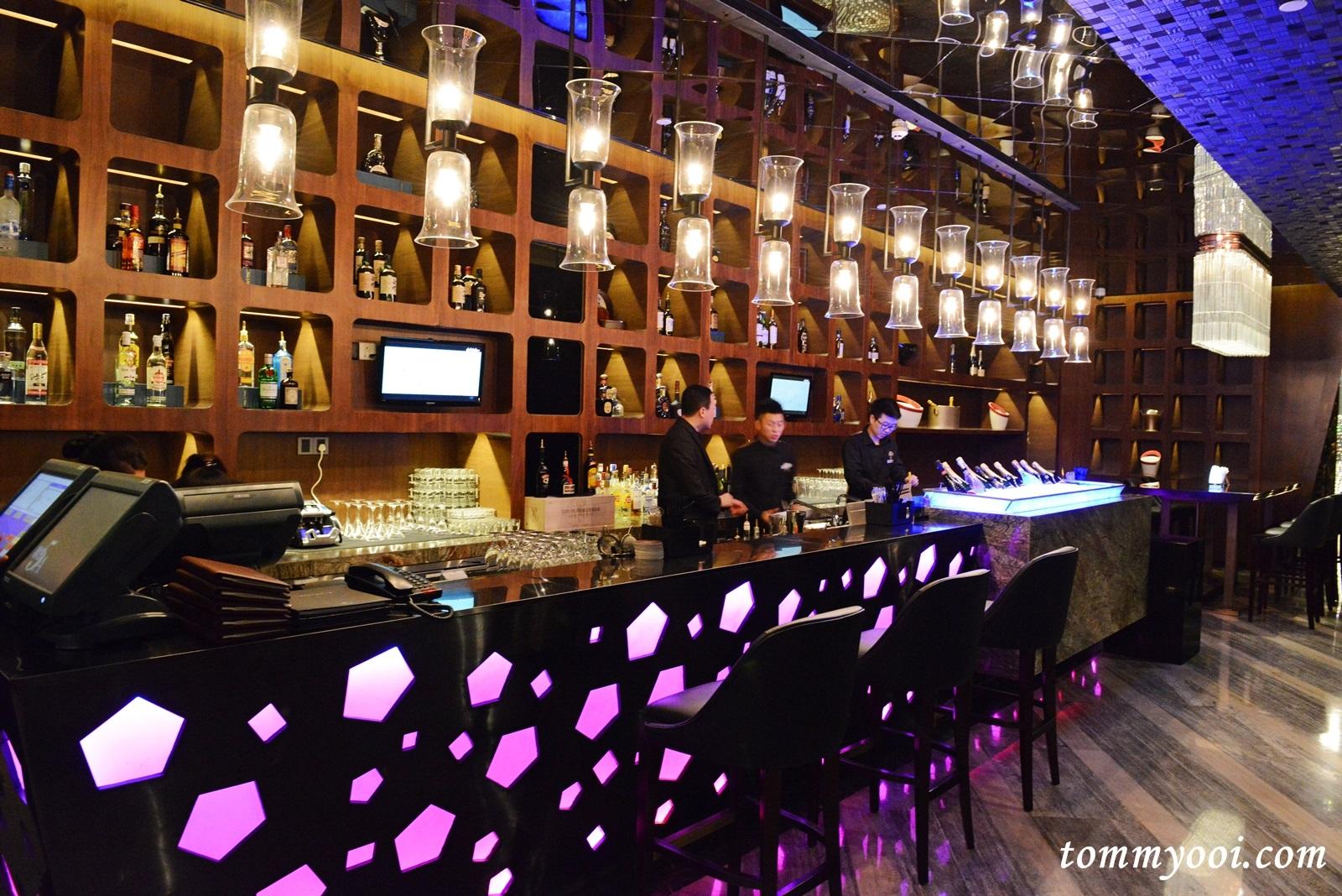 Eden Garden Rooftop Bar, Hilton Shenzhen - Tommy Ooi Travel Guide